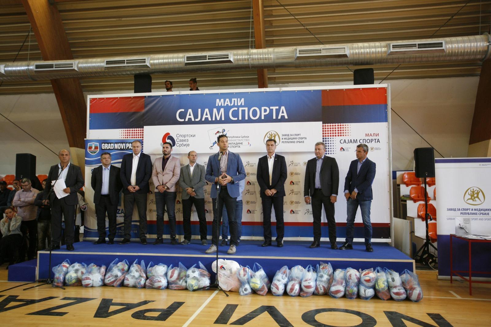 Ministar Udovičić prisustvovao Malom sajmu sporta u Novom Pazaru