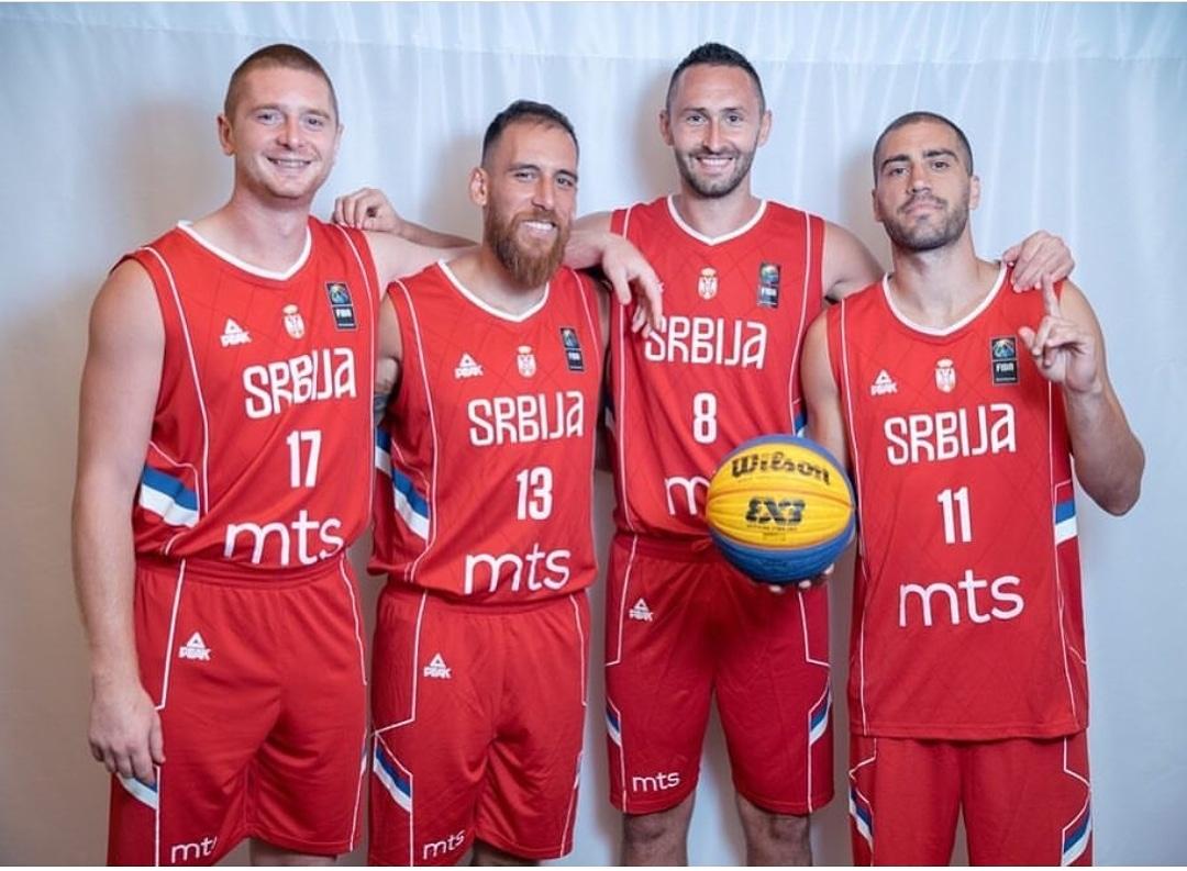 Mинистaр Удовичић честитао нашим баскеташима освајање златне медаље