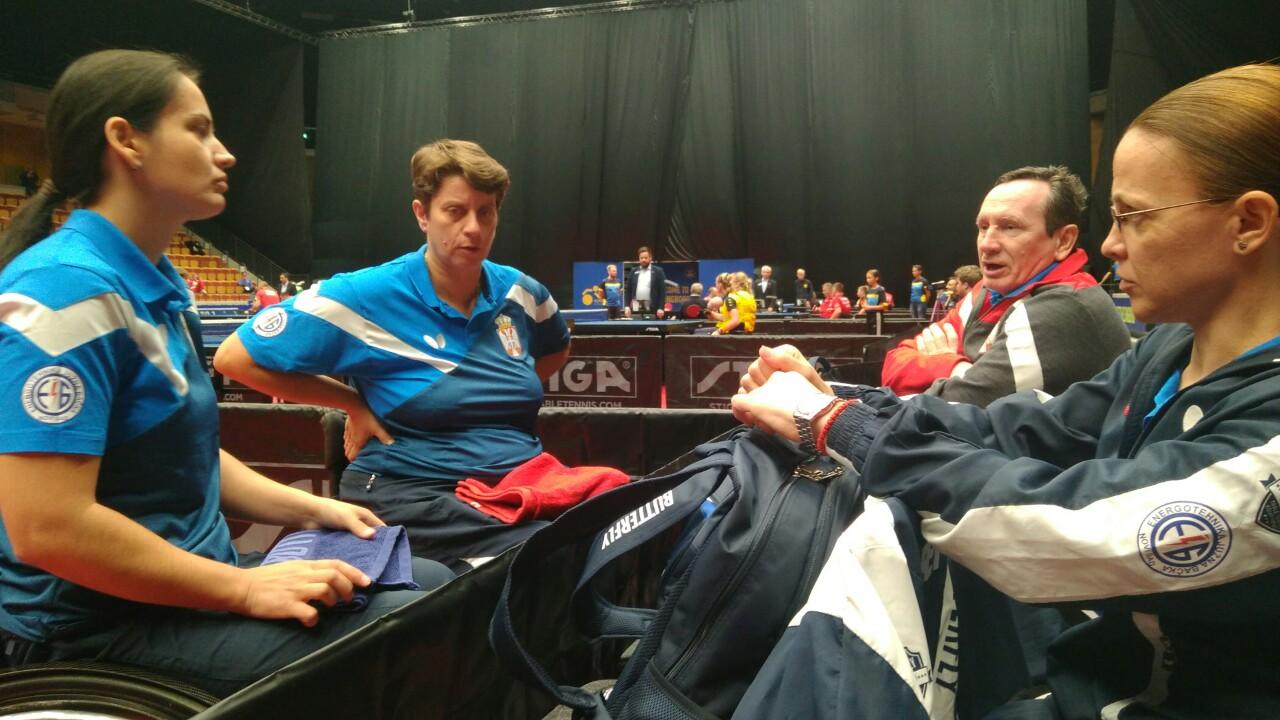 Министар Удовичић честитао освајање златне медаље репрезентативкама Србије у пара стоном тенису