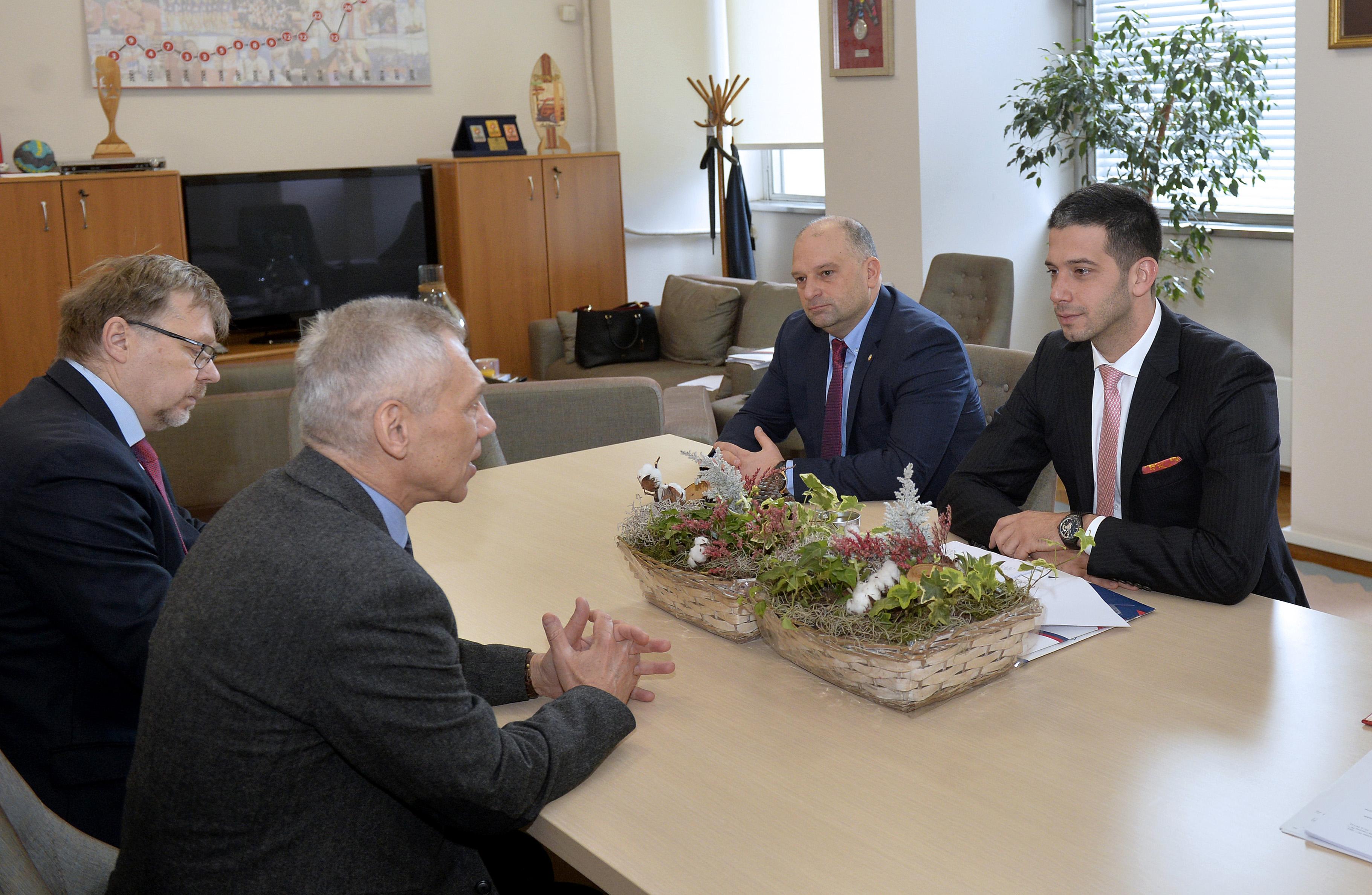 Министар Удовичић са амбасадором Русије о интензивирању сарадње у области омладине и спорта