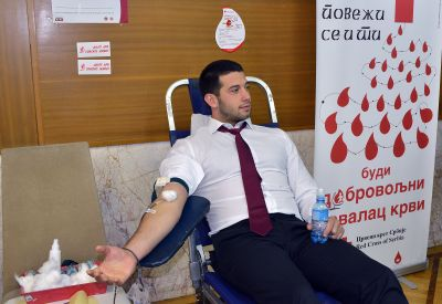 Спортисти у акцији добровољног давања крви