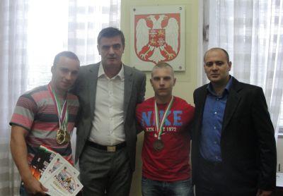 Перуничић примио светске прваке у пауерлифтингу