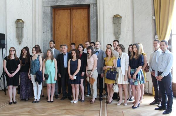 Најбољи српски студенти добиће и стипендије Владе Француске