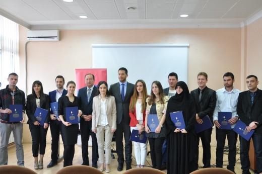 Udovičić dodelio ugovore o stipendiranju u Novom Pazaru