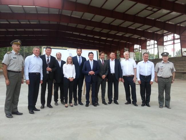 Udovičić, Jevrosimović, Kou, Bubka i Sabo u obilasku radova na Atletskoj dvorani