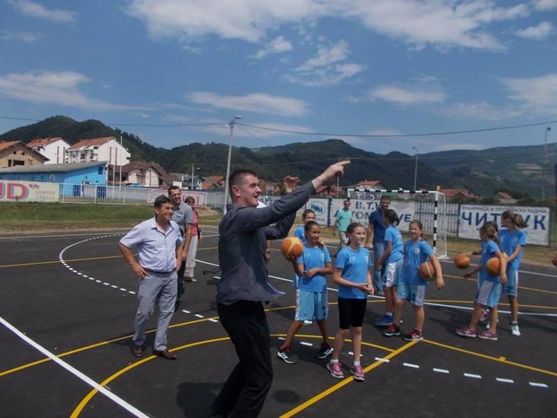 Rekonstrukcija i adaptacija malih sportskih terena na teritoriji Republike Srbije