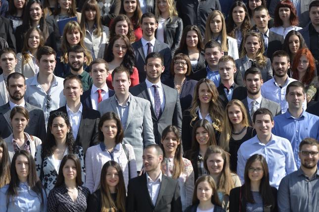 Удовичић на Дан студената доделио 526 стипендија за најуспешније студенте Београдског универзитета