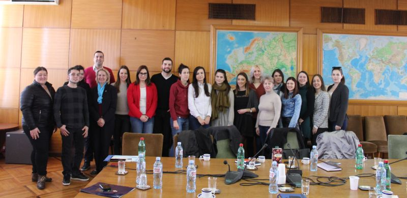 Учесници прве Академије омладинске политике у посети Министарству омладине и спорта