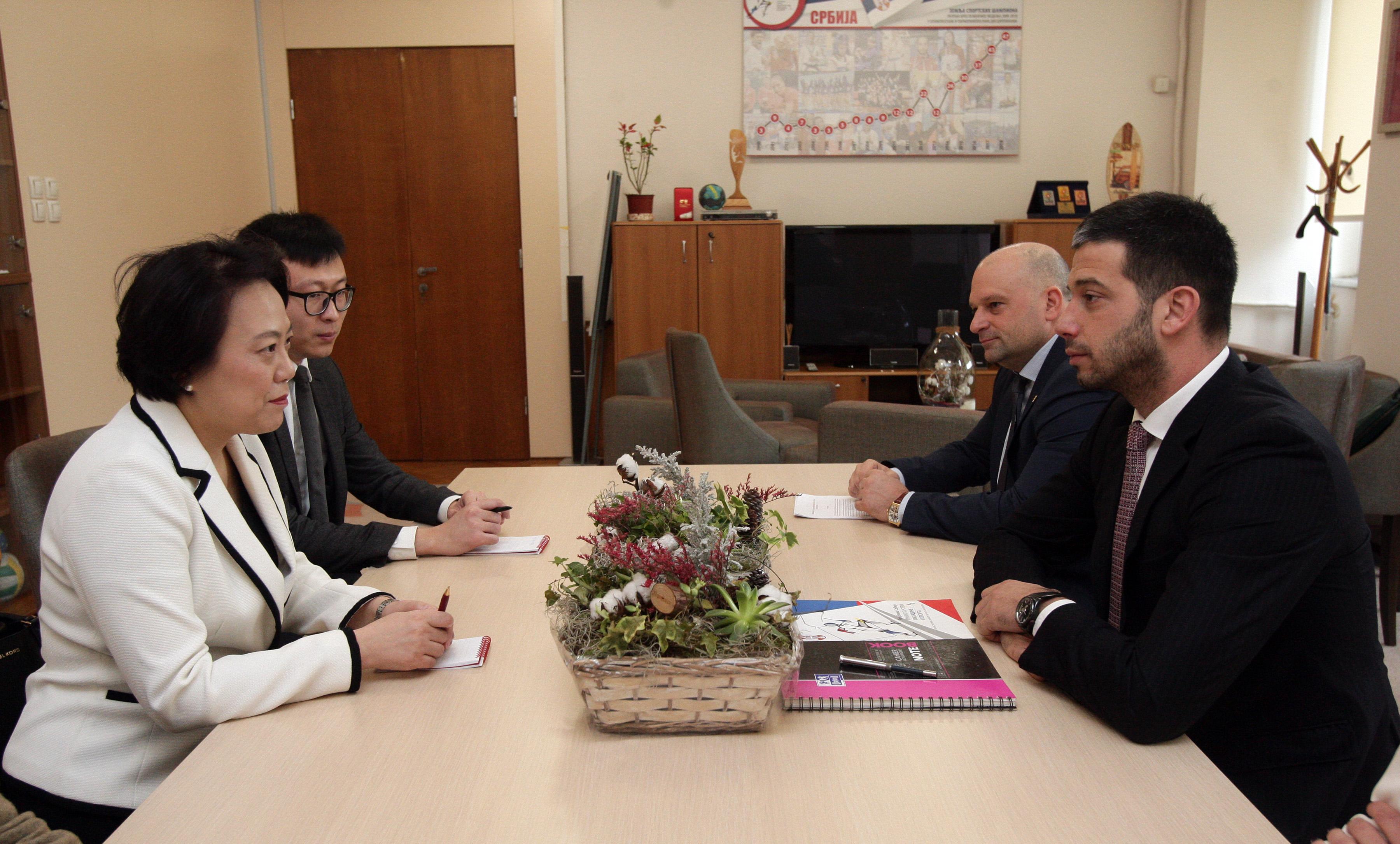 Министар Удовичић се састао са амбасадорком Народне Републике Кине Њ. E. Чен Бо, и разговарао о новим правцима будуће сарадње