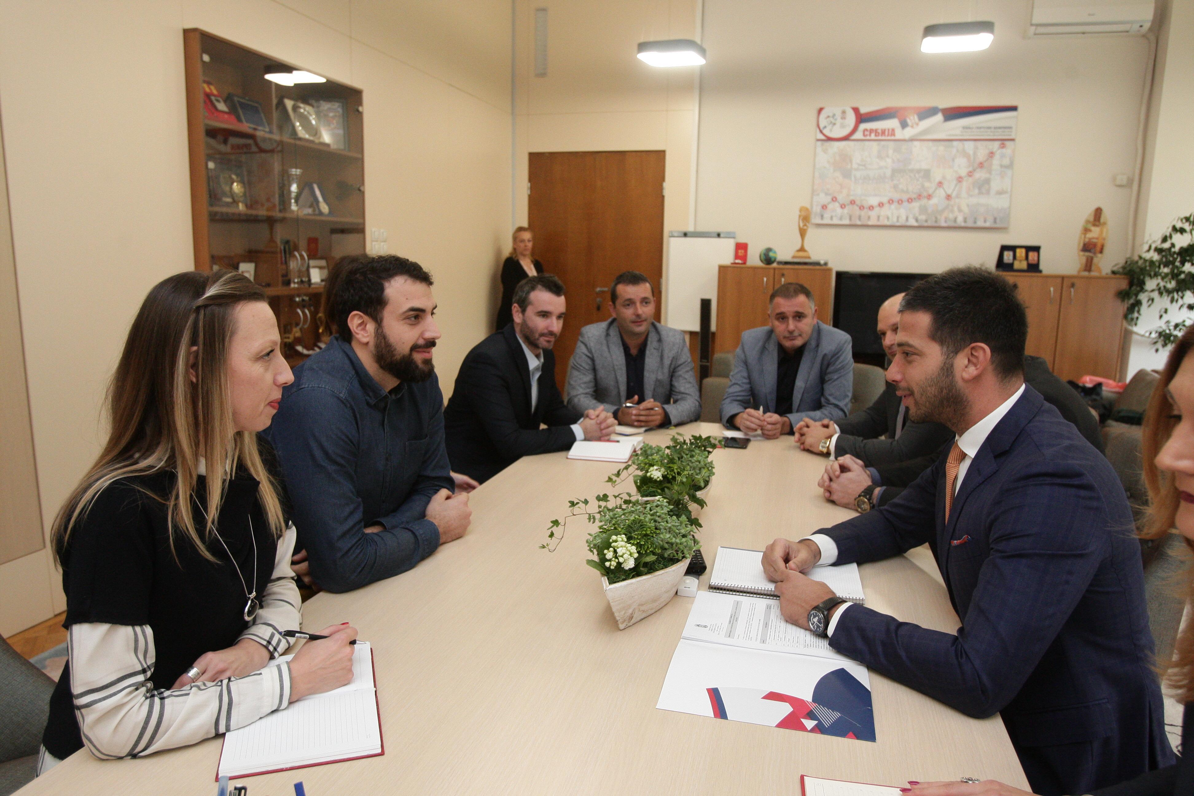 Министар Удовичић о даљем унапређењу омладинске политике у Србији са представницима кључних омладинских организација