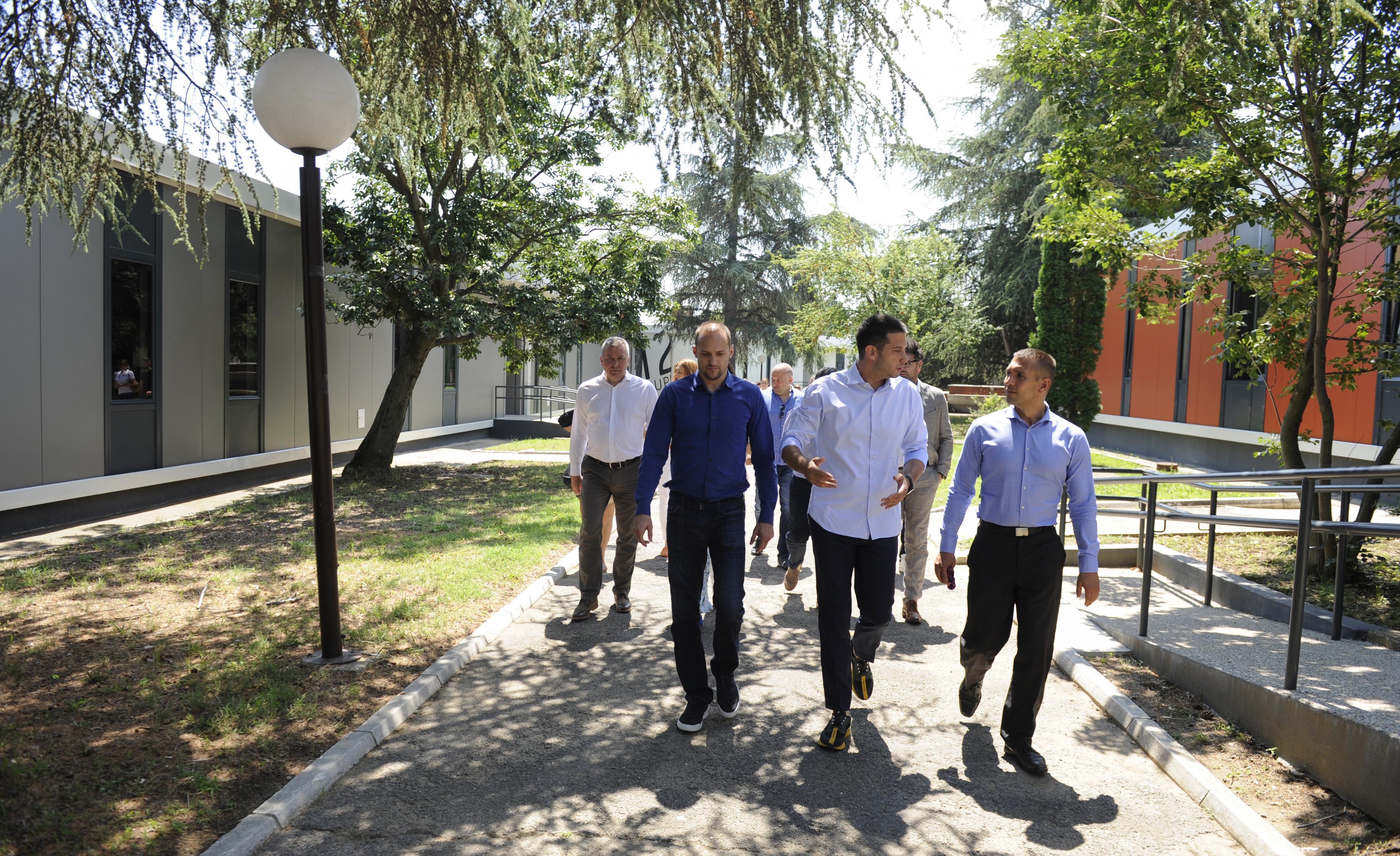 Министар Удовичић обишао центар Караташ са представницима ГИЗ-а