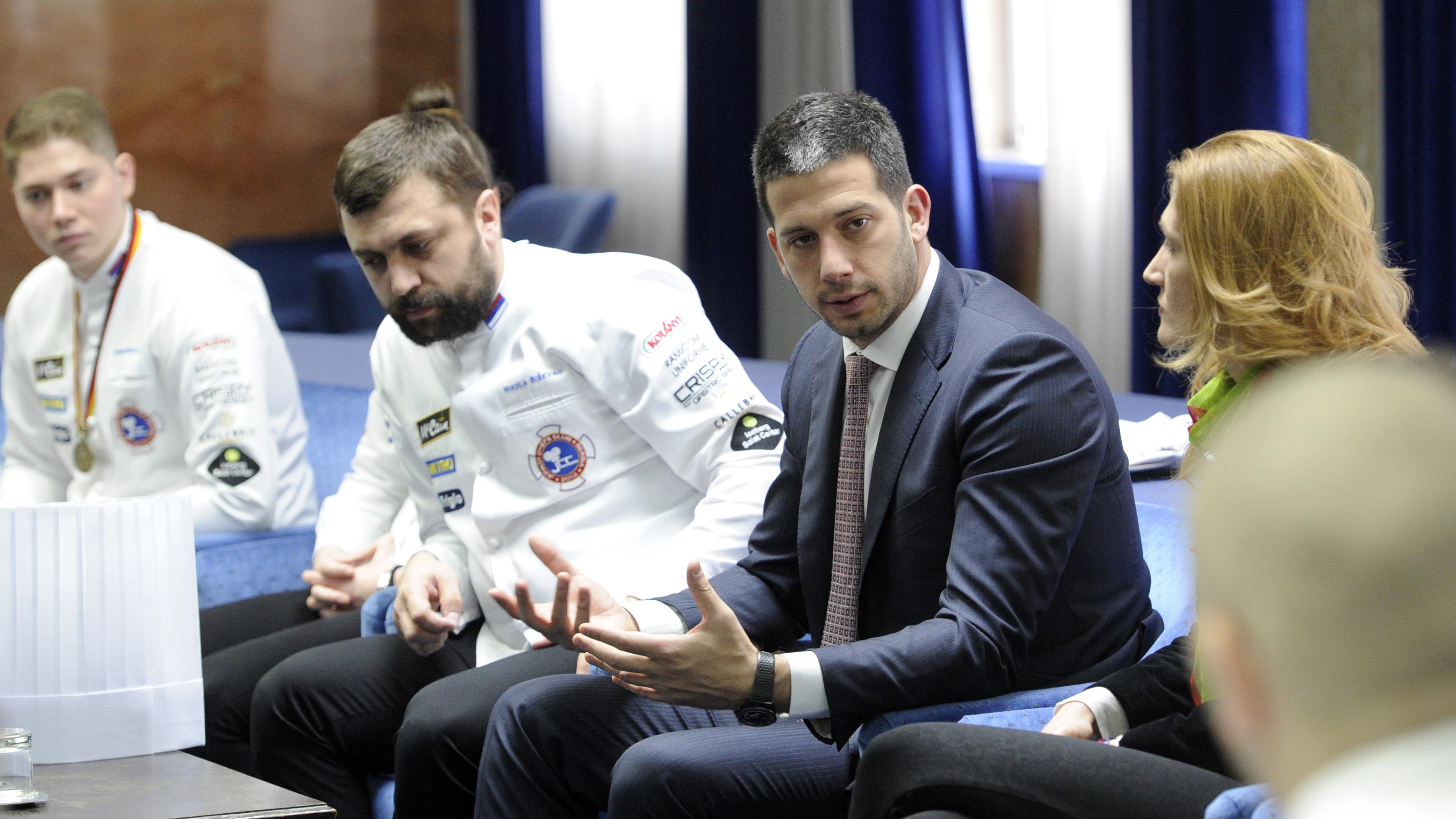 Министар Удовичић са младим српским шампионима у кувању!