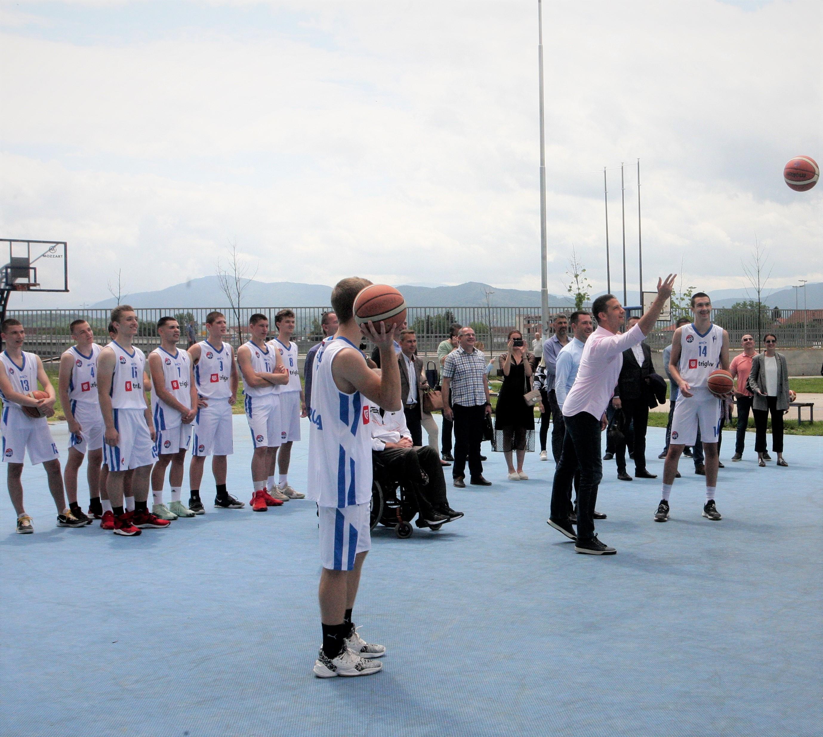 Министар Удовичић посетио спортисте и инфраструктурне пројекте у Краљеву и Крушевцу
