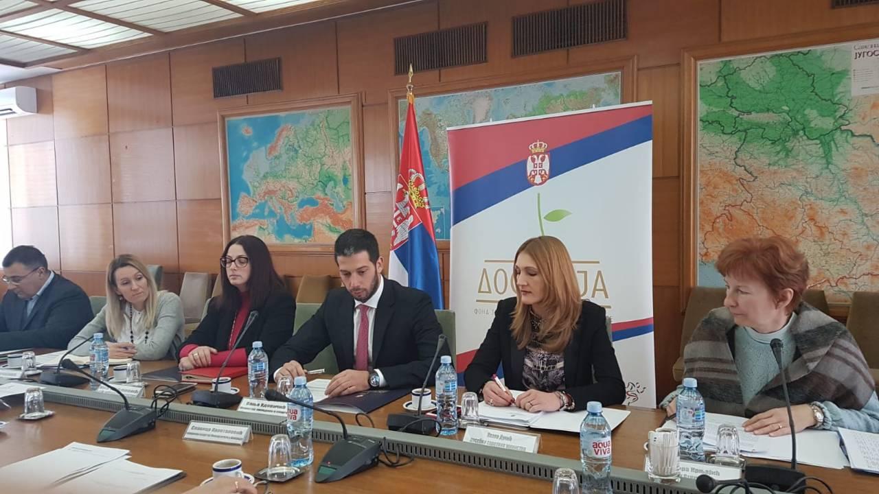 Фонд за младе таленте доделио 473 стипендије за најбоље студенте Србије