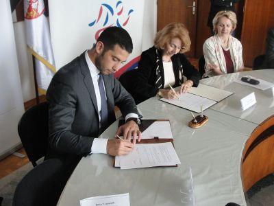 Стварање услова да млади таленти остану у Србији