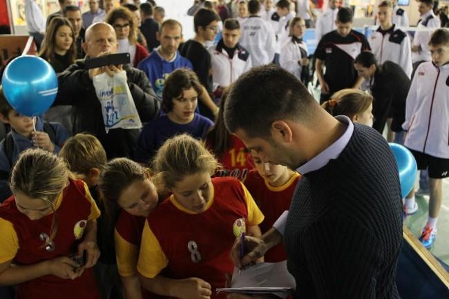 МОС против Града: Пријатељске утакмице обележиле други дан Сајма спорта