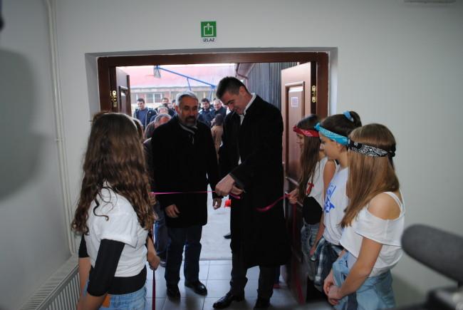 Перуничић отворио фискултурну салу у Неготину
