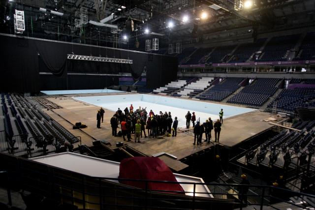 Beograd, 3. januara 2016. - Ministar omladine i sporta Vanja Udovicic simbolicno je danas pustio vodu u bazen u Areni, cime su pripreme za sampionat Evrope u vaterpolu usle u finalnu fazu. FOTO TANJUG/ SAVA RADOVANOVIC/ bk