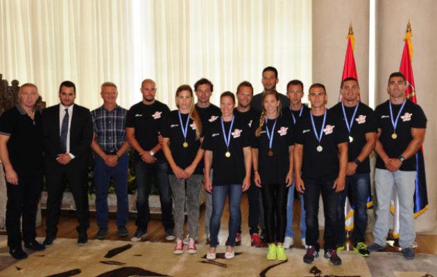 Udovičić sa reprezentativcima Srbije u kajaku