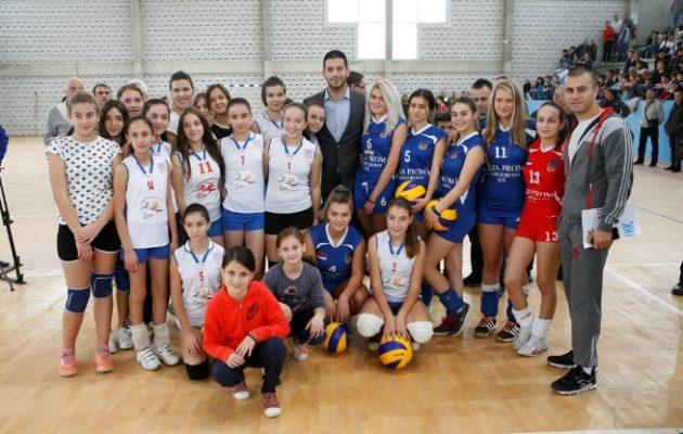 Удовичић отворио спортску халу у Бојнику